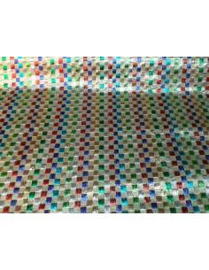 Tela brocada con cuadros bordados multicolor