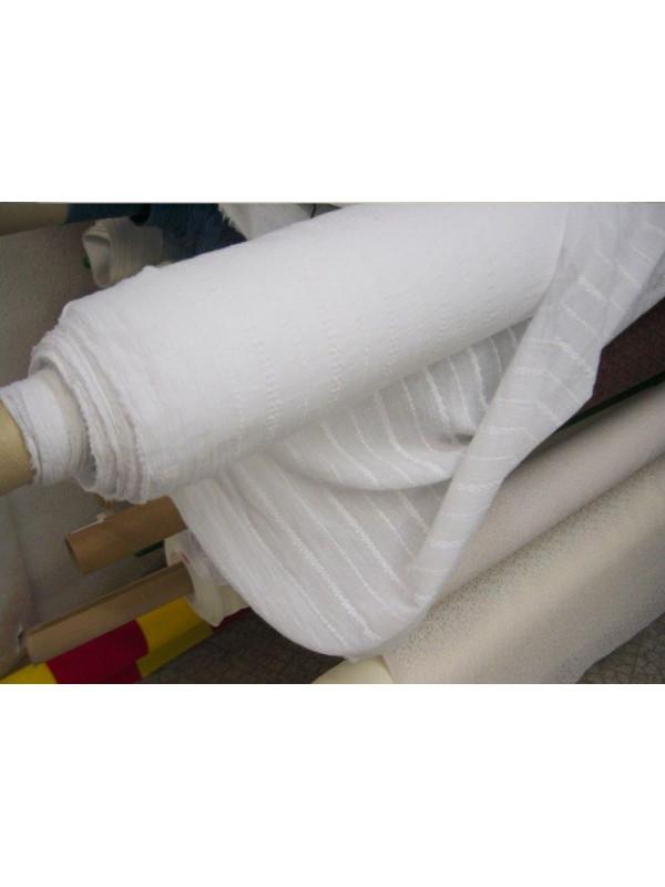 Tela algodon con rayas bordadas