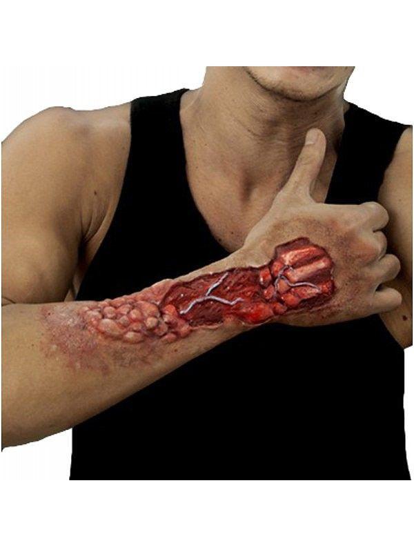Prótesis de látex brazo desgarrado