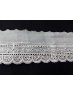 Encaje bordado terminación algodón