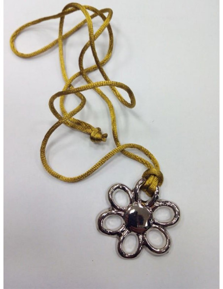 Colgante flor plata
