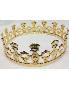Corona dorada de metal