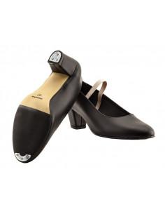 Zapato flamenca de piel claveteado
