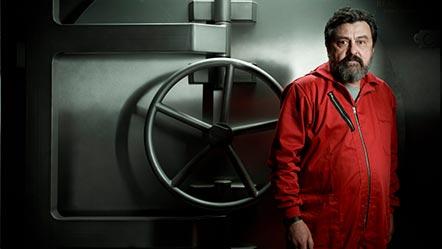 Alvaro Morte interpreta al Profesor