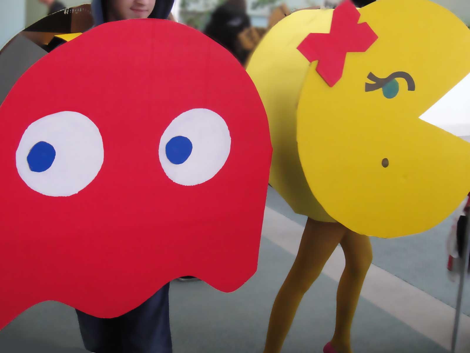 Disfraz de Pacman y fantasma de goma eva